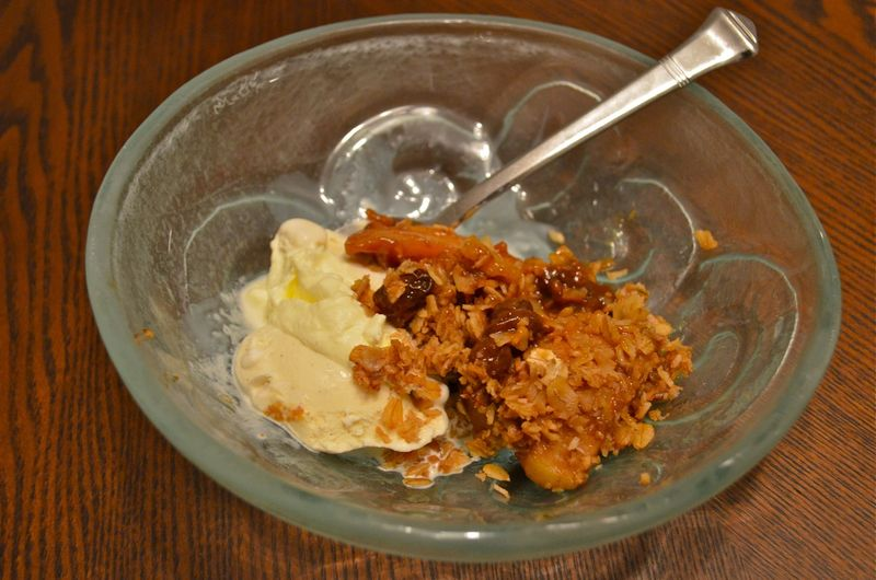 Apple-pie-a-la-mode-slow-cooker-yum