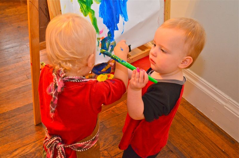 Bee-painting-buddy-easel-toddler-painting-art