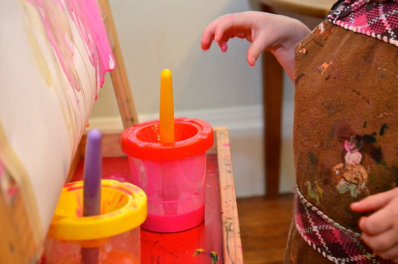 Painting-tray-hands-toddler