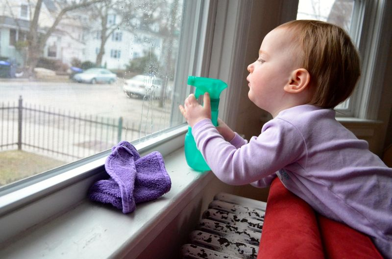 Window washing toddler3