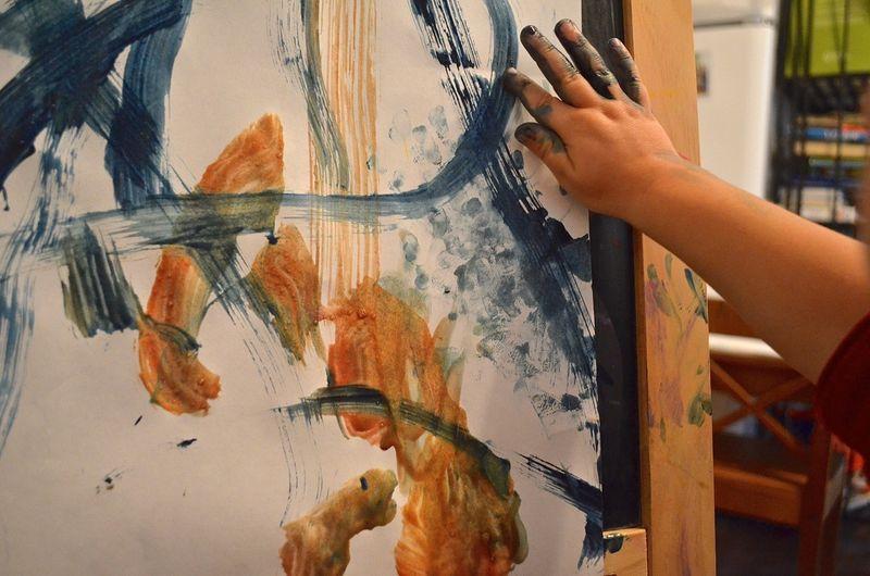 Buddy-fingerprints-paint-easel-toddler-art