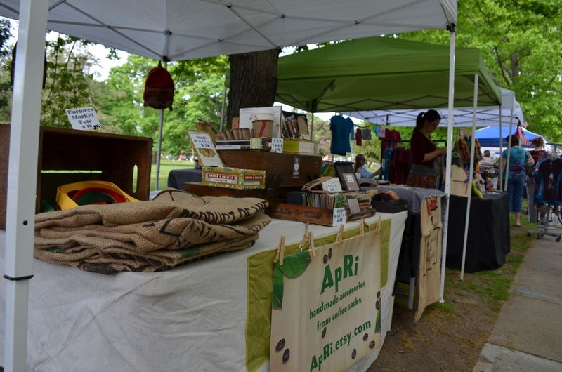 First outdoor farmers market providence hope street02