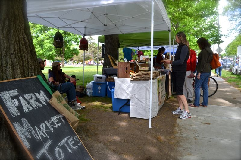 First outdoor farmers market providence hope street01